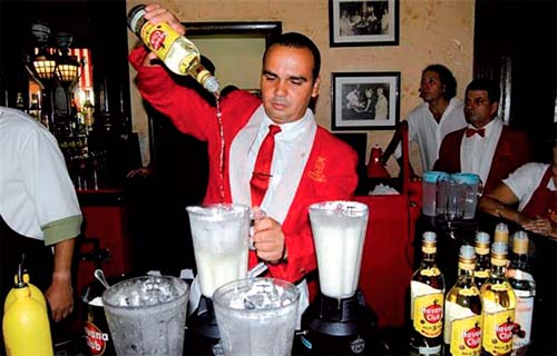 Drink 275 litres of Daiquirí in Havana