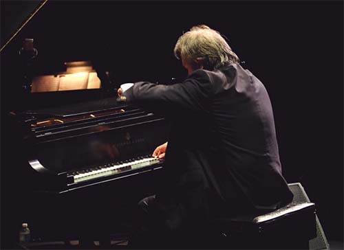 Frank Fernández, a life devoted to the piano