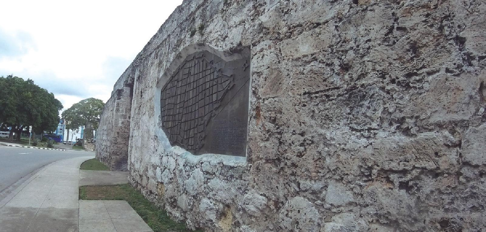 THE WALLS OF HAVANA, witnesses to history