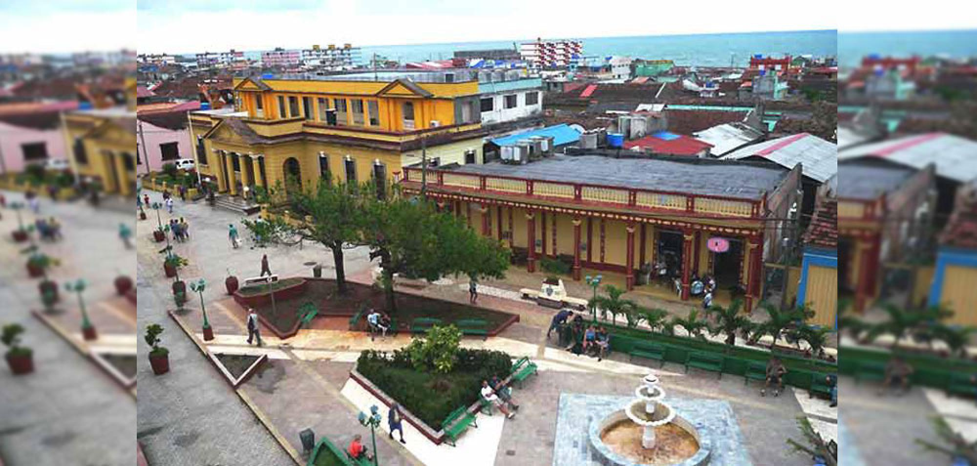 Tourists Highlight Beauty of Baracoa, Cuban Eastern City